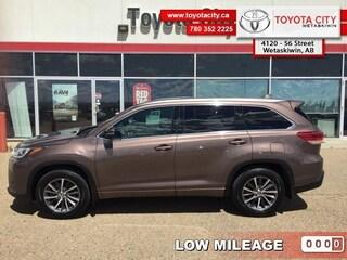 2018 Toyota Highlander XLE AWD - Certified - Navigation - $276 B/W SUV [] Regular Unleaded V-6 211
