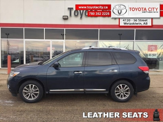 2015 Nissan Pathfinder SL - Leather Seats -  Bluetooth - $145 B/W SUV Regular Unleaded V-6 213