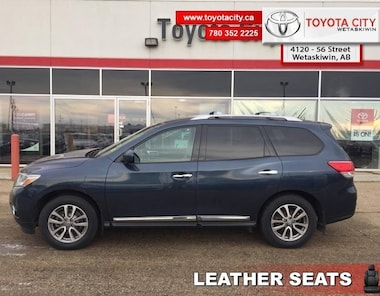 2015 Nissan Pathfinder SL - Leather Seats -  Bluetooth - $145 B/W SUV Regular Unleaded V-6 213