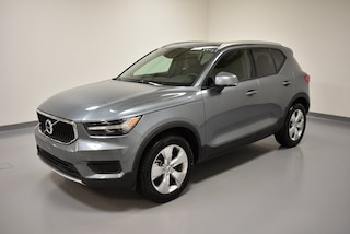 New 2019 Volvo XC40 T4 Momentum SUV YV4AC2HK1K2050892 for Sale in Willoughby, OH
