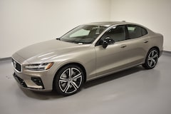New 2019 Volvo S60 T6 R-Design Sedan 7JRA22TM9KG005542 for Sale in Willoughby, OH