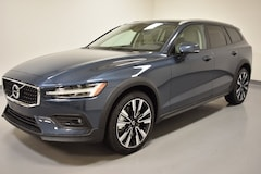 New 2021 Volvo V60 Cross Country T5 Wagon near Cleveland