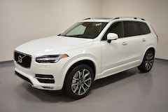 New 2019 Volvo XC90 T6 Momentum SUV YV4A22PK3K1456537 for Sale in Willoughby, OH
