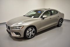 New 2019 Volvo S60 T6 Inscription Sedan 7JRA22TL6KG000709 near Cleveland