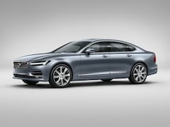 Certified Pre-Owned 2018 Volvo S90 T5 Momentum Sedan near Cleveland
