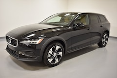 New 2020 Volvo V60 Cross Country T5 Wagon near Cleveland