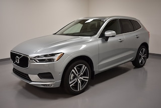New 2018 Volvo XC60 T6 AWD Momentum SUV YV4A22RK7J1019605 for Sale in Willoughby, OH