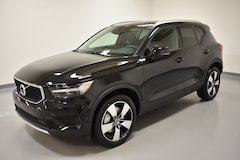 New 2019 Volvo XC40 T5 Momentum SUV YV4162UK2K2141165 for Sale in Willoughby, OH
