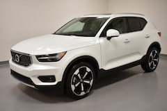 New 2019 Volvo XC40 T5 Inscription SUV YV4162UL1K2127069 for Sale in Willoughby, OH