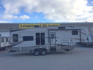 2017 Wildcat Maxx F295RSX Maxx - Climatech Cold Weather Package