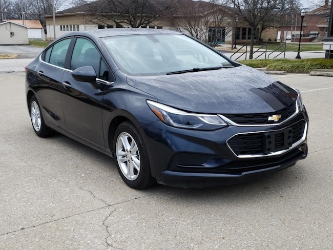 Used 2016 Chevrolet Cruze LT Sdn for sale in Fairfield, IL