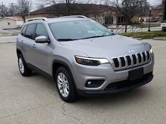 New 2019 Jeep Cherokee LATITUDE FWD Sport Utility for Sale in Fairfield