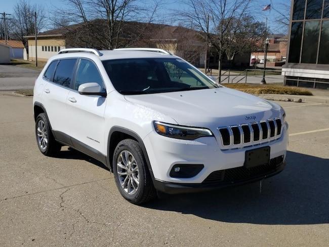 New 2019 Jeep Cherokee LATITUDE PLUS FWD Sport Utility Fairfield IL
