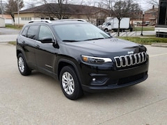 New 2019 Jeep Cherokee LATITUDE 4X4 Sport Utility for Sale in Fairfield