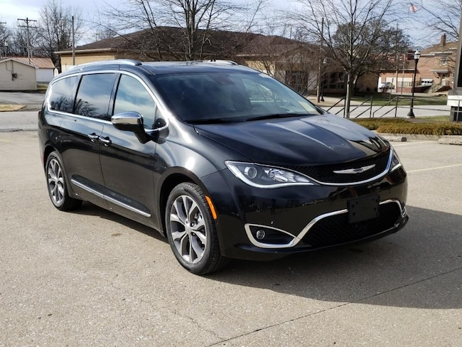 New 2019 Chrysler Pacifica LIMITED Passenger Van Fairfield IL