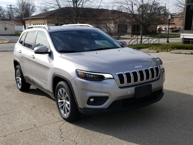 New 2019 Jeep Cherokee LATITUDE PLUS FWD Sport Utility Fairfield IL