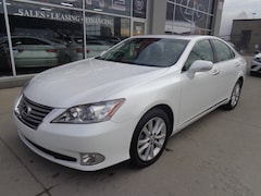 2011 LEXUS ES 350 Premium Pkg. Leather. Sunroof. Sedan