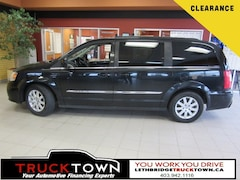 2016 Chrysler Town & Country TOURING | DVD | POWER DOORS Minivan