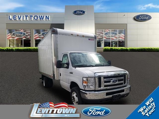 2018 Ford E-450 Cutaway Truck