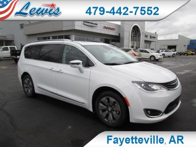 New 2018 Chrysler Pacifica Hybrid LIMITED Passenger Van in Fayetteville, AR