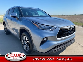 New 2020 Toyota Highlander XLE SUV for sale in Dodge City, KS