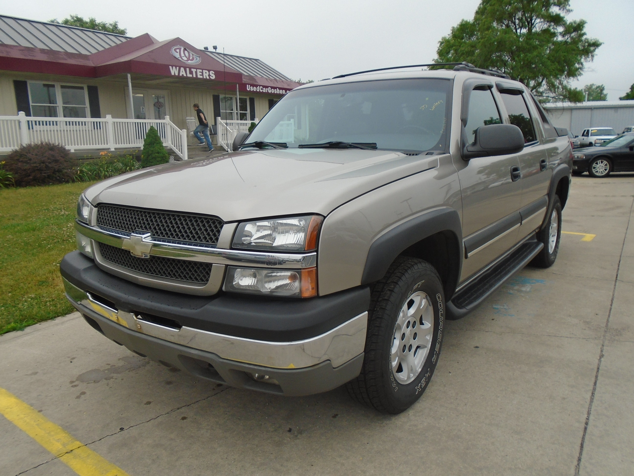 used 2003 chevrolet avalanche 1500 for sale goshen in elkhart south bend fort wayne indiana. Black Bedroom Furniture Sets. Home Design Ideas