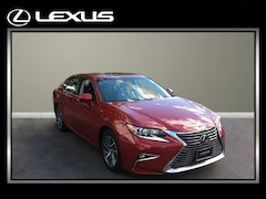 2017 LEXUS ES Sedan