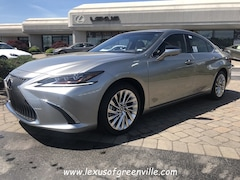 2019 LEXUS ES 300h Ultra Luxury Sedan