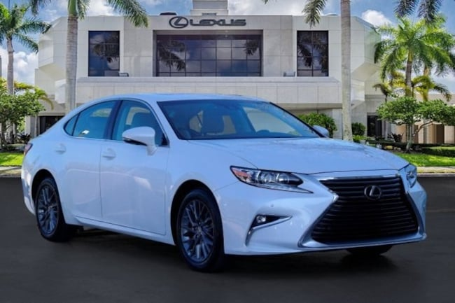 2018 LEXUS ES Sedan
