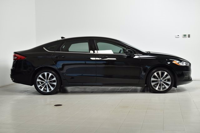 Used 2020 Ford Fusion SE with VIN 3FA6P0T93LR112379 for sale in Maplewood, Minnesota