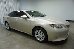 Bargain-Used 2013 LEXUS ES 300h Luxury Pkg w/ Nav Sedan for sale in Reno, NV