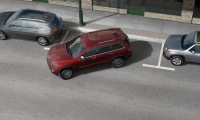 Jeep Grand Cherokee parallel parking