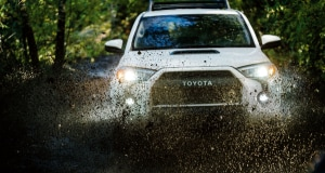 Toytoa 4Runner off-road water