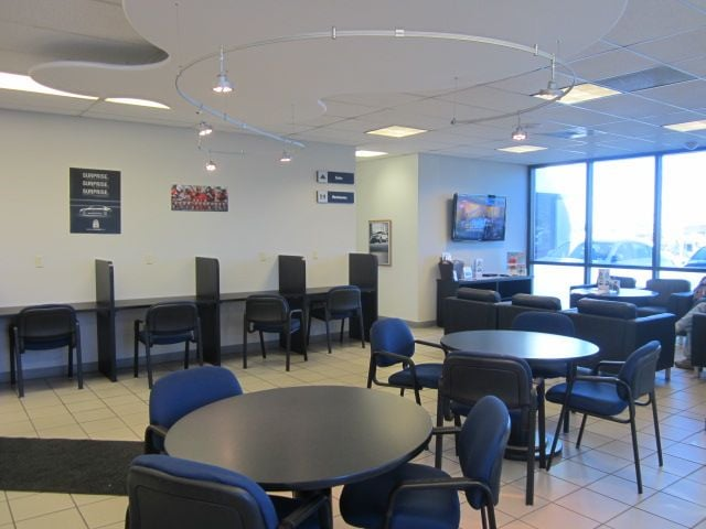 Hyundai Service, Albuquerque Southwest Hyundai Waiting Room