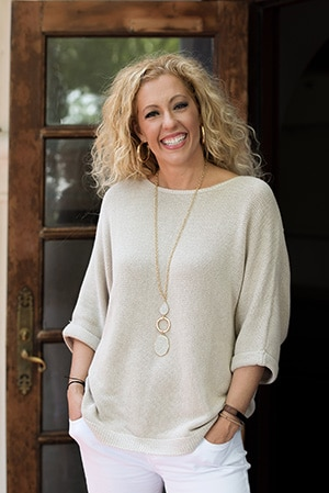 Larry H Miller Hyundai >> Meet Pamela Hughes | Larry H. Miller Hyundai Peoria