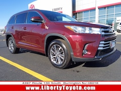 Used vehicles 2018 Toyota Highlander XLE V6 SUV P17390 for sale near you in Burlington, NJ