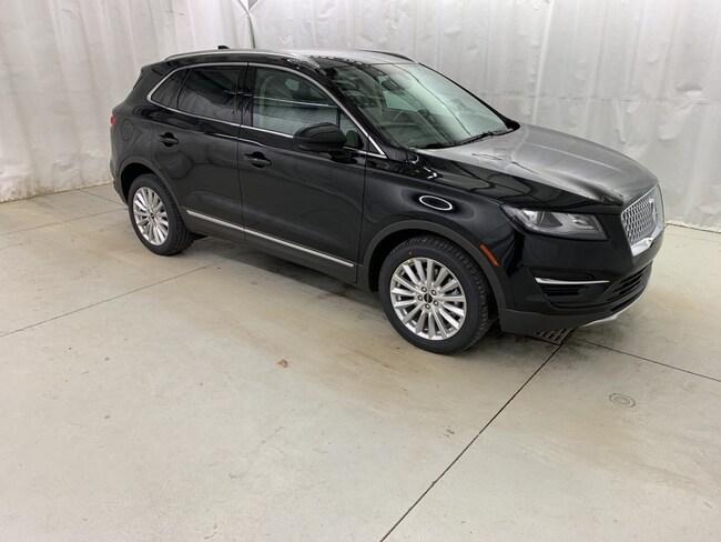 New 2019 Lincoln MKC Base SUV Vermilion