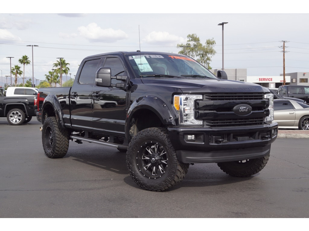 2017 Ford F-350 Super Duty Truck Crew Cab