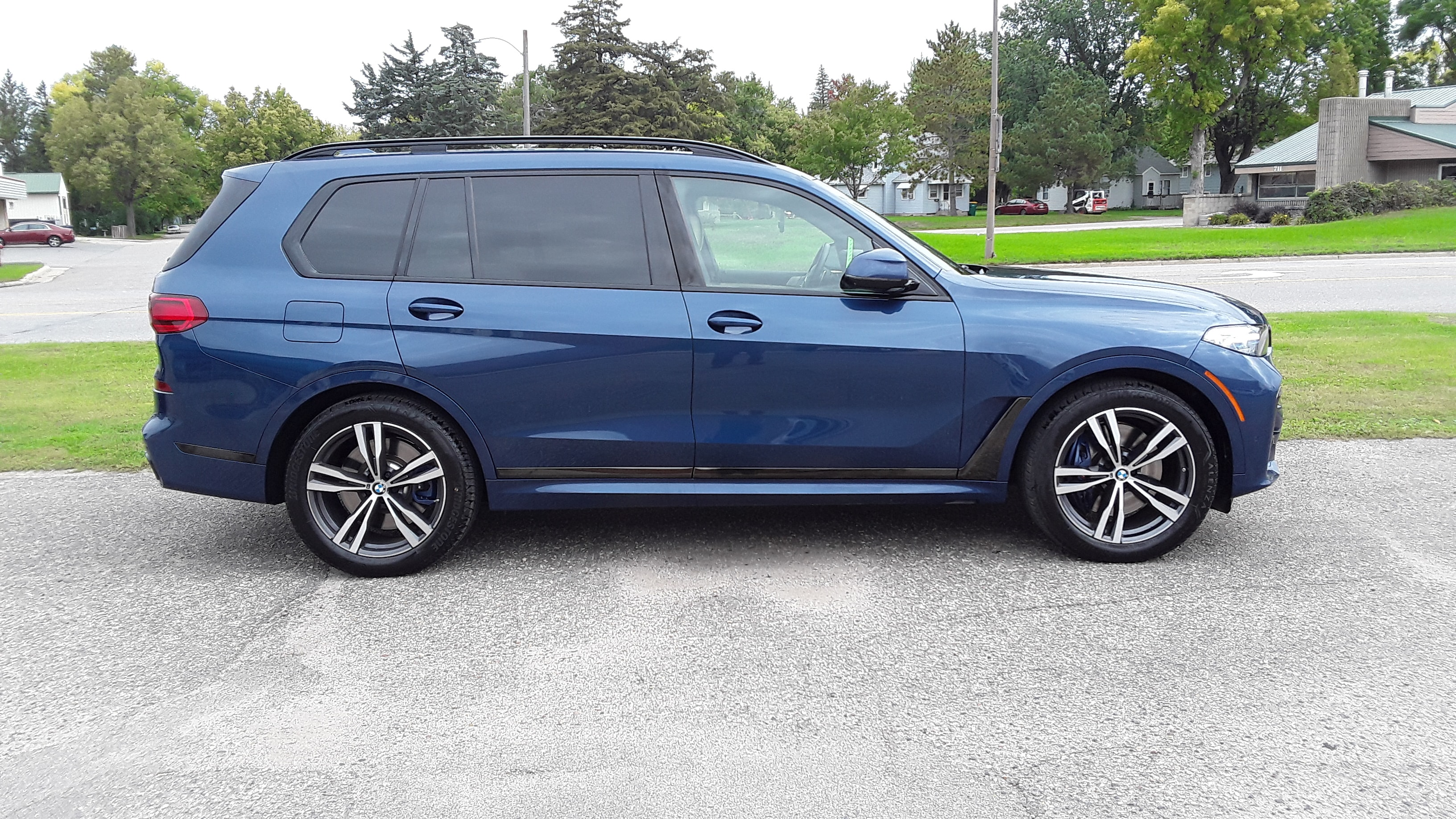 Used 2021 BMW X7 M50i with VIN 5UXCX6C00M9F14392 for sale in Litchfield, Minnesota