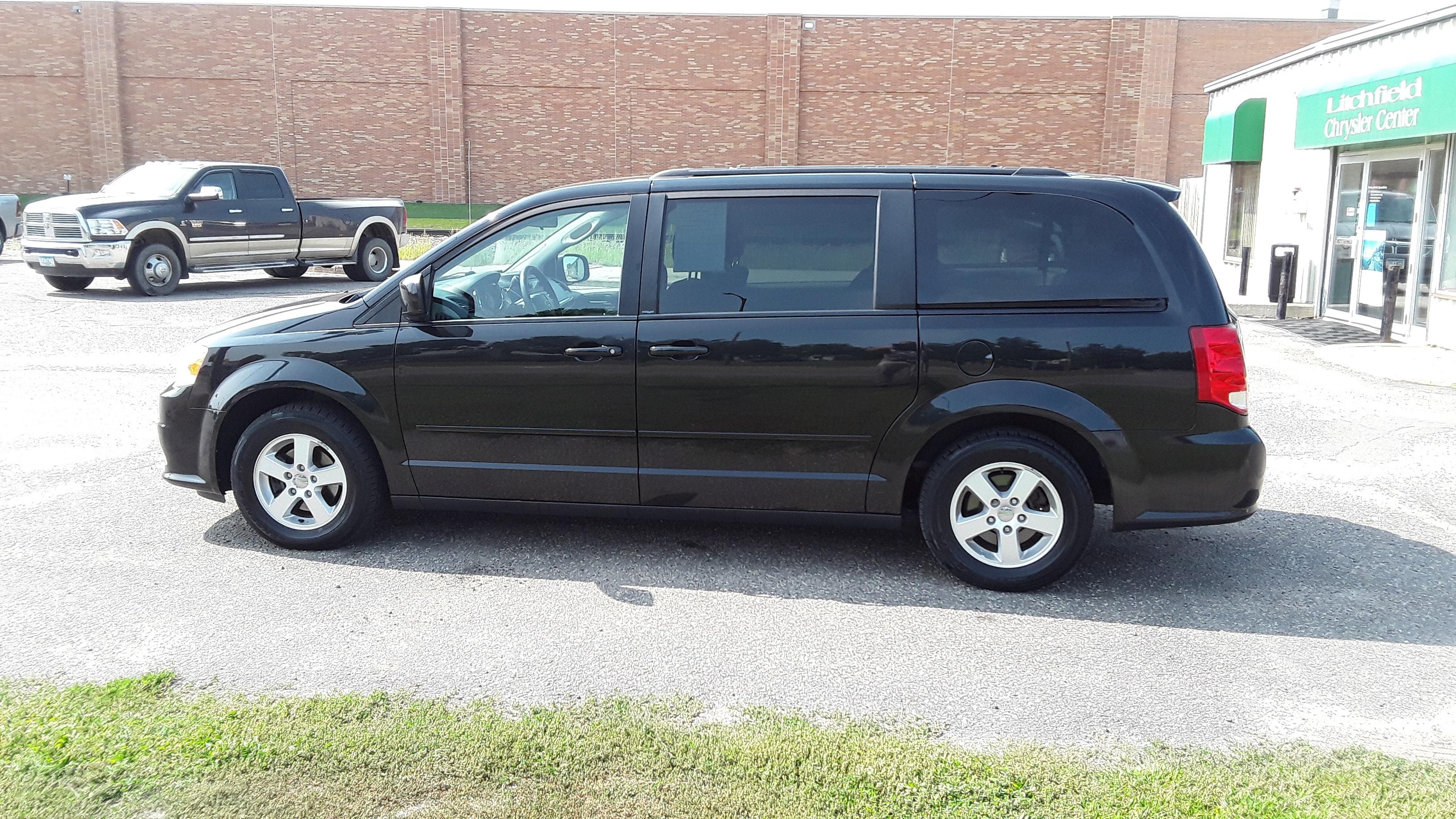 Used 2012 Dodge Grand Caravan SXT with VIN 2C4RDGCGXCR112750 for sale in Litchfield, Minnesota