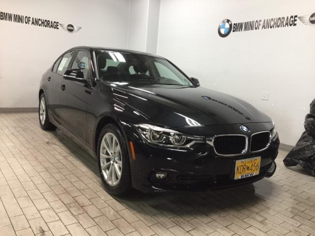 2018 BMW 320i xDrive Sedan WBA8E5G50JNV03063 JNV03063X