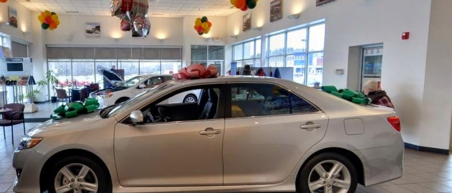 Carbone Toyota of Bennington Showroom Interior