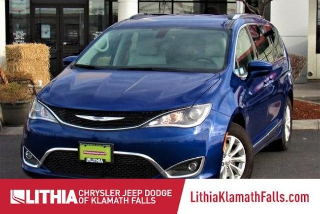 New 2018 Chrysler Pacifica TOURING L PLUS Passenger Van Klamath Falls, OR