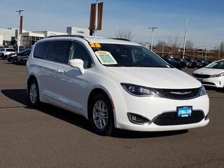 Certified 2020 Chrysler Pacifica Touring L Van Passenger Van Medford, OR