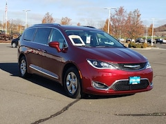 2020 Chrysler Pacifica Hybrid TOURING L Passenger Van Medford, OR