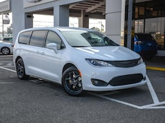 New 2019 Chrysler Pacifica TOURING PLUS Passenger Van in Concord, CA