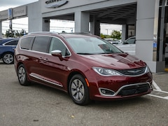 Certified Pre-Owned 2018 Chrysler Pacifica Hybrid Limited FWD Mini-van, Passenger in Concord, CA