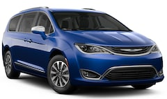 New 2019 Chrysler Pacifica Hybrid LIMITED Passenger Van in Concord, CA