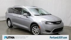 2020 Chrysler Pacifica Touring L FWD Mini-van, Passenger