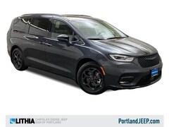 New Chrysler Vehicles 2021 Chrysler Pacifica Hybrid LIMITED Passenger Van for sale in Portland, OR